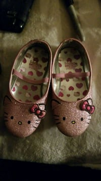 pair of pink Hello Kitty leather mary jane shoes Cheyenne, 82007