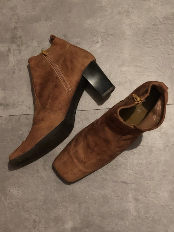 Predictions size 9 1/2 camel color suede booties, paid $60 CDN