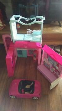 pink and white doll house Saint Cloud, 34769