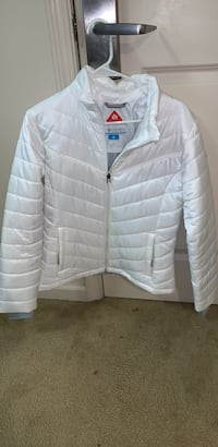 white zip-up bubble jacket Norfolk, 23505