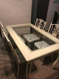Dining room table and chairs(must go today) Reynoldsburg, 43068