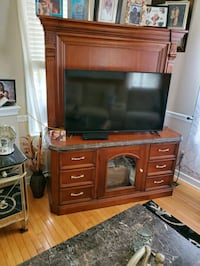 Solid wood tv stand  Nottingham, 21236