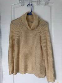 Forever21 long-sleeved turtleneck off-white sweater Ajax