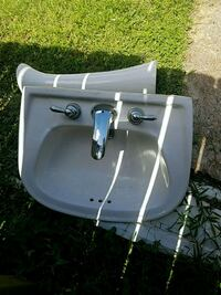 Pedestal sink with faucet Slidell, 70458