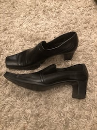 Pair of black leather slip on shoes Toronto, M3H 3C1