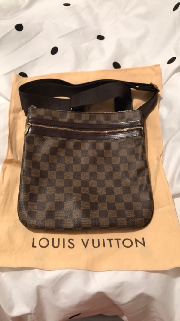 e22116220a1 Used damier graphite Louis Vuitton leather crossbody bag for sale ...