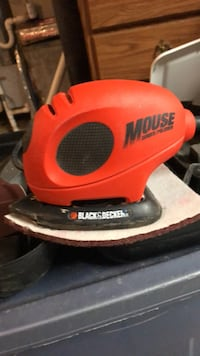 Black & Decker  mouse sander polisher  with case and interchangeable pads Georgetown, 40324