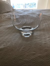 clear glass footed bowl with lid 794 km