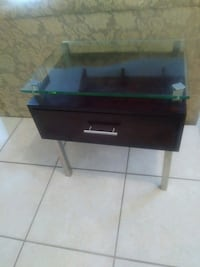 Darkwood and glass entrance table Pembroke Pines, 33024