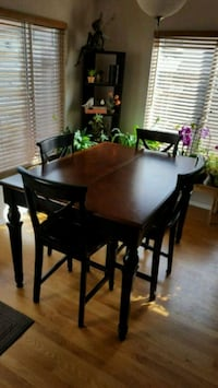 Tall kitchen table and chairs Aurora, 80015