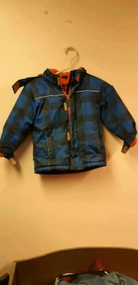 4t boys winter zipper coat.  Cobourg, K9A 4J8