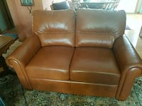 Brown leather couch Milwaukee, 53226