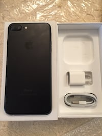 black iPhone 7 Plus with box Mississauga, L5C 2E7