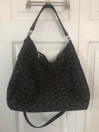 coach shoulder bag or crossbody in good condition(pick up only) Alexandria, 22310