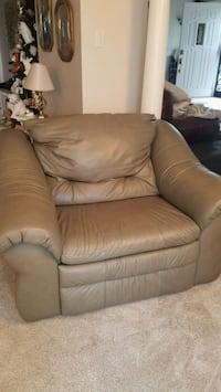 Genuine leather chair and a half recliner Waldorf, 20601