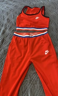 Set 2 peces Nike size small and medium Providence, 20024