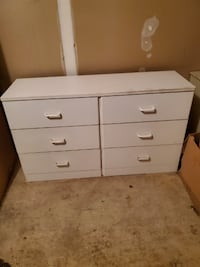 Very nice white dresser (no mirror) for free GERMANTOWN