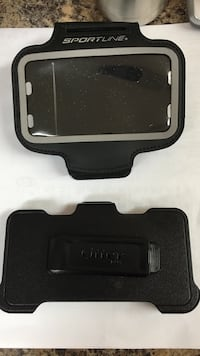 iPhone 5 Otter Box phone clip and exercise arm band Unicoi, 37692