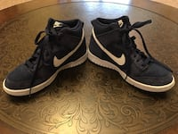 NIKE Navy Suede Hightop's in Like New Shape, Size 4.5Y Or 6.5 Adult Norman, 73071