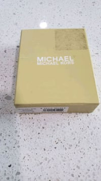 Micheal Kors Leather wallet