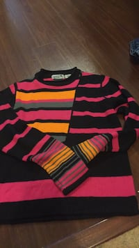 New girls obermeyer ski sweater. This was very expensive and never worn. Only $30. Vaughan, L4J 5L7