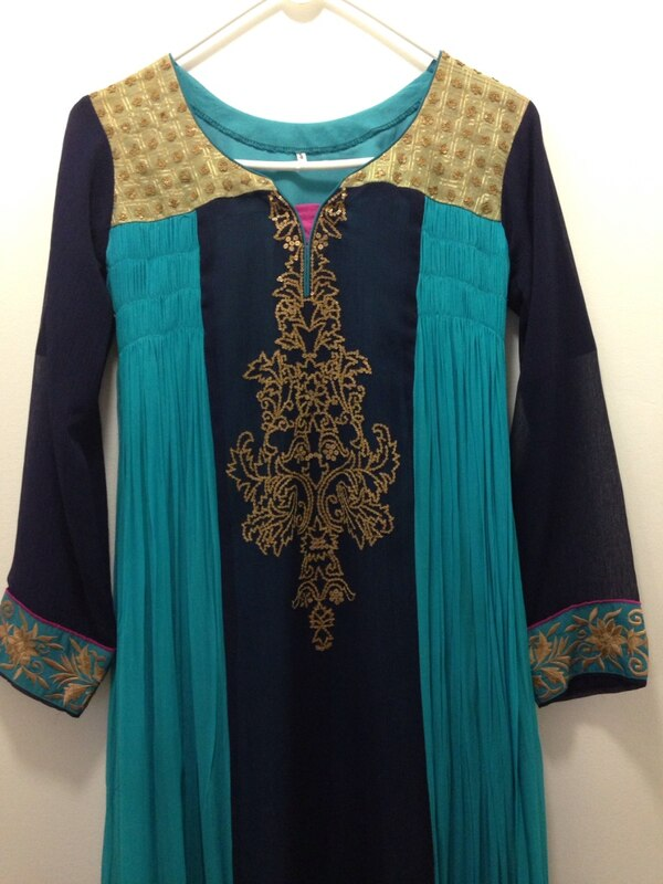 Indian party wear dress (very very good condition) 57d608d5-688d-4e17-97c8-3d04a990c34e