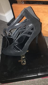Pair of black strappy shoes Myrtle Beach, 29579