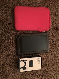 Black Barnes and Noble Nook with brand new charger and pink case Long Beach, 90803