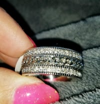 Gorgeous SS Crystal and spinner ring Omaha, 68124