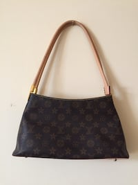 LOUIS VUITTON PURSE  Niagara Falls, L2E 2G9