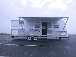 2006 Keystone Springdale. Roof A/C, heater, large Patio Awning,