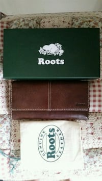 Roots wallet  Toronto, M2M 3X4