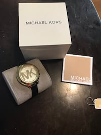 round gold-colored Michael Kors analog watch with box Calgary, T1Y