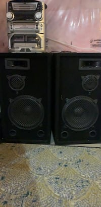 Two large speakers. 12inch sub Ajax, L1T 0H7