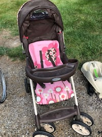 Graco stroller comes with carrier and extra base Mansfield, 44906