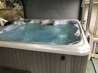 White and gray Hot Tub - excellent condition  Houma, 70364