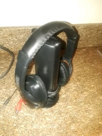 black and gray corded headphones Chula Vista, 91910