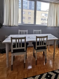 Set of 4 IKEA white chairs with removable blue cushion Toronto, M4Y 1N9