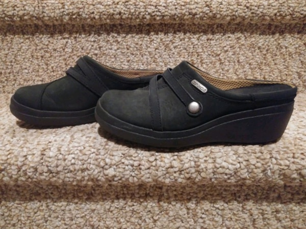 New Women's Size 6 Occupational Crocs Shoes [Retail $59.99] Clogs  934a770c-d5eb-4b84-a463-9450d7a18853