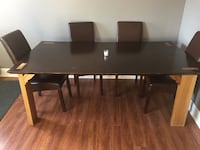 6' dinning room table with two sleeves adding 3' Welland, L3B 2Z7