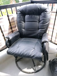 black leather padded rolling armchair Montréal, H4H 2G7