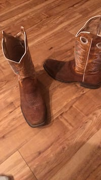 boots, Handmade, all leather size9.5 Chesapeake, 23320