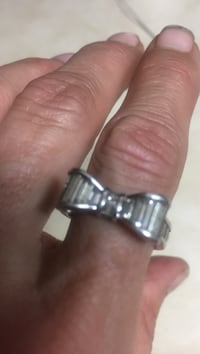 Bow tie sterling silver ring size 7