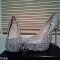 Prom shoes/ New in box Silver Gem Pumps Meridian, 83642