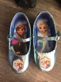 pair of white and blue Disney Frozen shoes Brampton, L6S 5K8