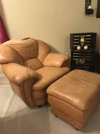 Brown leather armchair DeBary, 32713