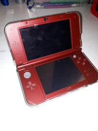 Red New 3ds xl (with case)