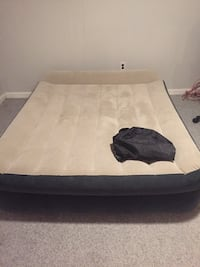 Queen air Mattress  Woodbridge, 22193