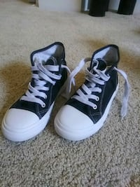 Kids  size 2 shoes Shady Shores, 76208
