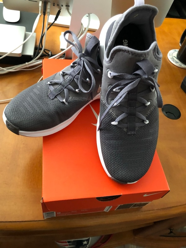 15af5bf3c804 Used Grey-and-white nike running shoes with box for sale in ...